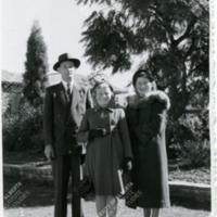 Taras, Marusia and Odarka Suchowersky - Australia 1.8.1956.jpg